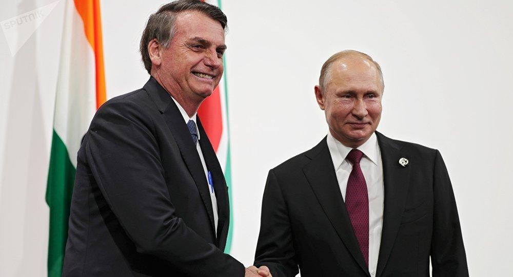 克宮:普京首次在金磚峰會上與巴西總統會面並交流