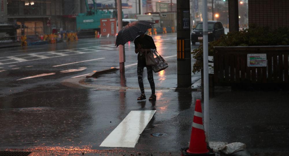 媒体:日本冲绳因山体滑坡威胁疏散约1.6万人
