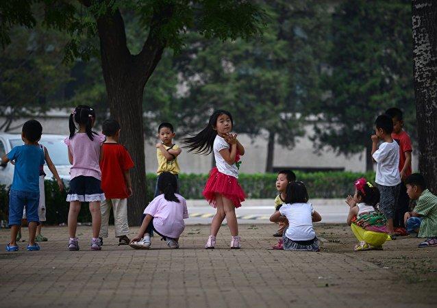 """中国社会学家们认为""""二孩""""更具竞争力"""