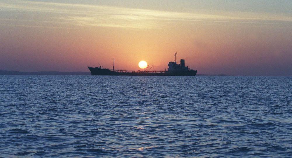 专家:美国在霍尔木兹海峡建联盟,中国或感受其结果