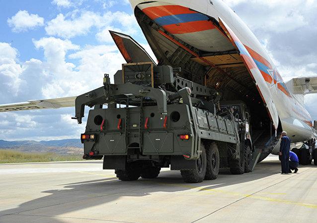 俄S-400防空导弹系统运抵土耳其