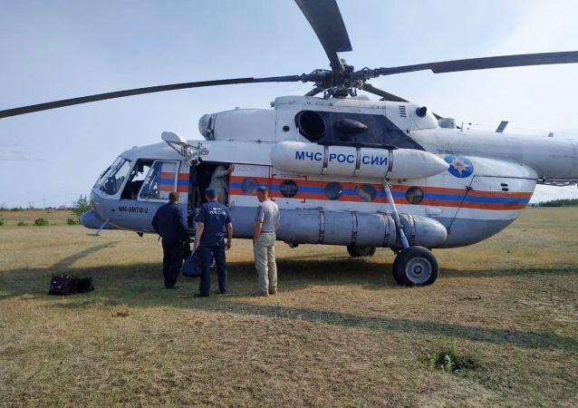 俄紧急情况部和国防部派遣数架直升机执行萨哈共和国灭火任务