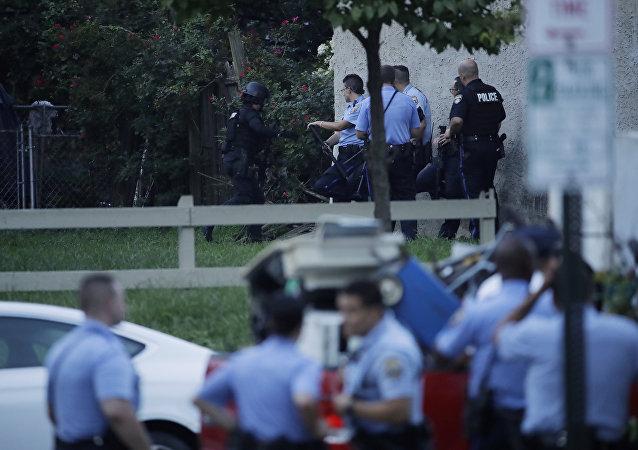 费城枪击事件造成两死四伤