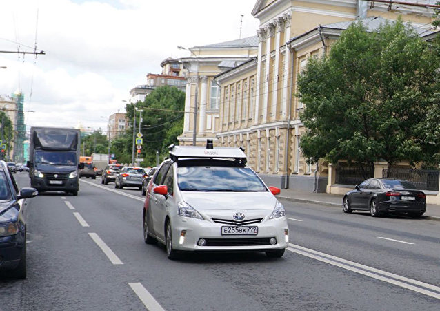 俄道路交通安全局局长:最初无人驾驶汽车在专用车道上行驶更安全