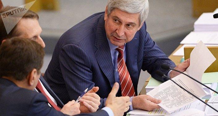 伊萬·梅利尼科夫在俄聯邦國家杜馬會議上