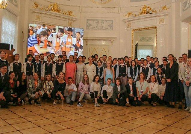 俄中儿童创作节在圣彼得堡闭幕