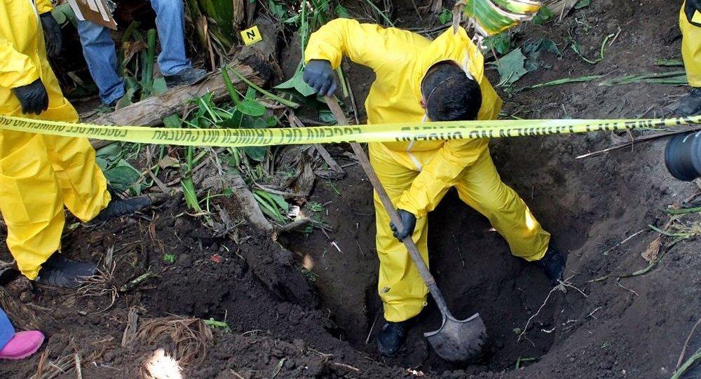 墨西哥政府发现3000多处人类遗体秘密埋葬处