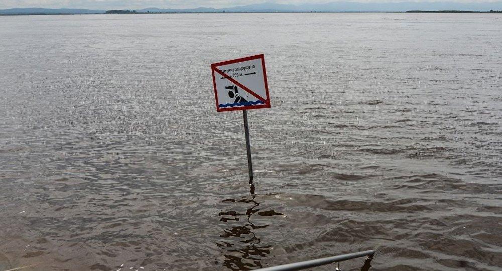 额布拉戈维申斯克当局计划从阿穆尔河河堤上拆除沙袋