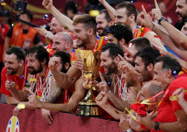 西班牙在決賽中擊敗阿根廷贏得中國舉行的男籃世界杯