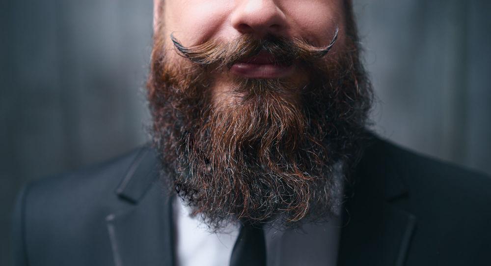 """证明男人的胡子可以保护面部免受打击的美国科学家获得""""搞笑诺贝尔奖"""""""