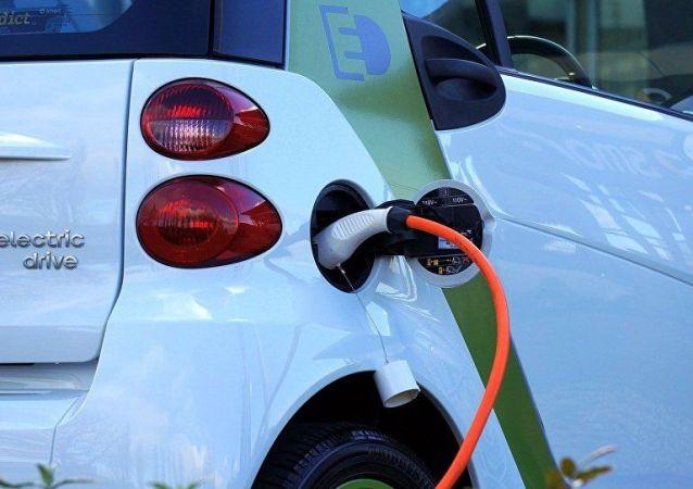 外媒:中國電動車充電站數量正趕超美國