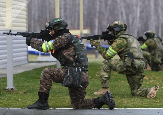 俄军总参谋部:超过30万军人参加了俄武装力量例行考核检查