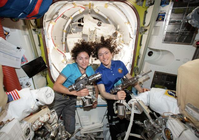 美国宇航局2024年将实现女性宇航员登月