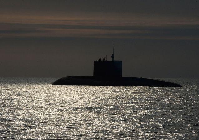 或为中国的潜艇在奄美大岛毗连区航行