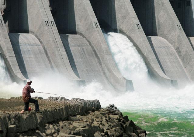 迪什林水电站