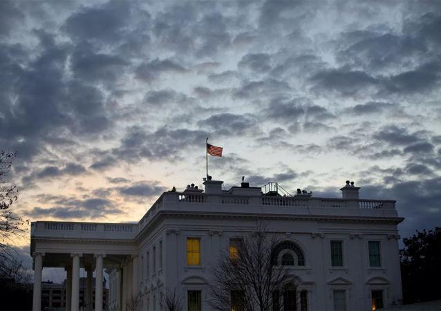 白宫未对最高法院拒绝审理得州诉讼的决定作出评论