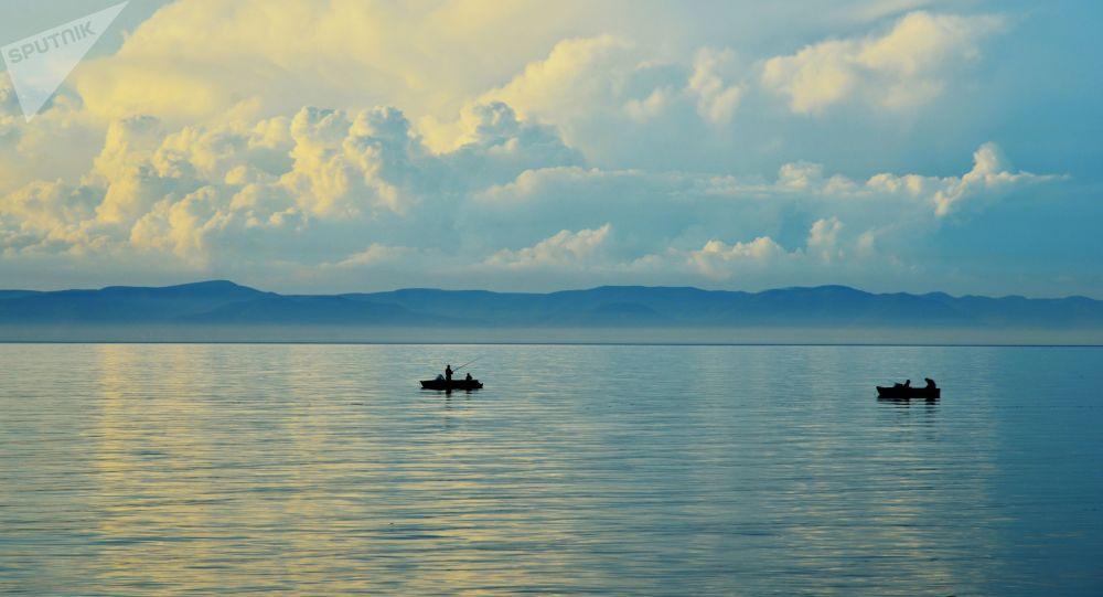 贝加尔湖开始变浑浊
