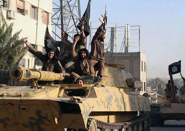 来自叙利亚德拉的前武装分子讲述美国人如何资助恐怖分子