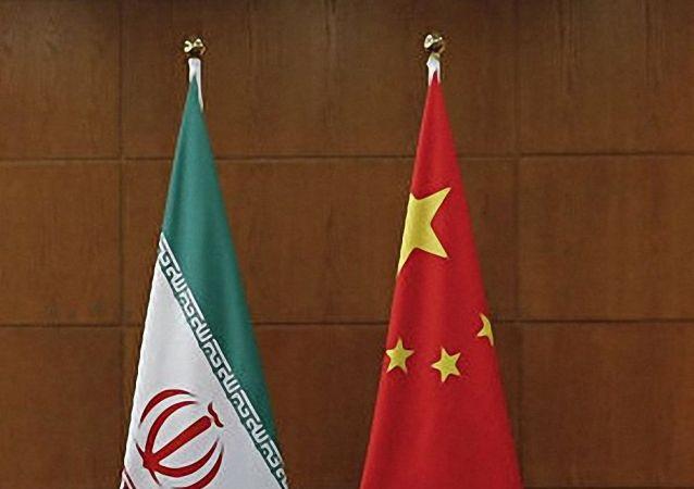 中國國旗和伊朗國旗