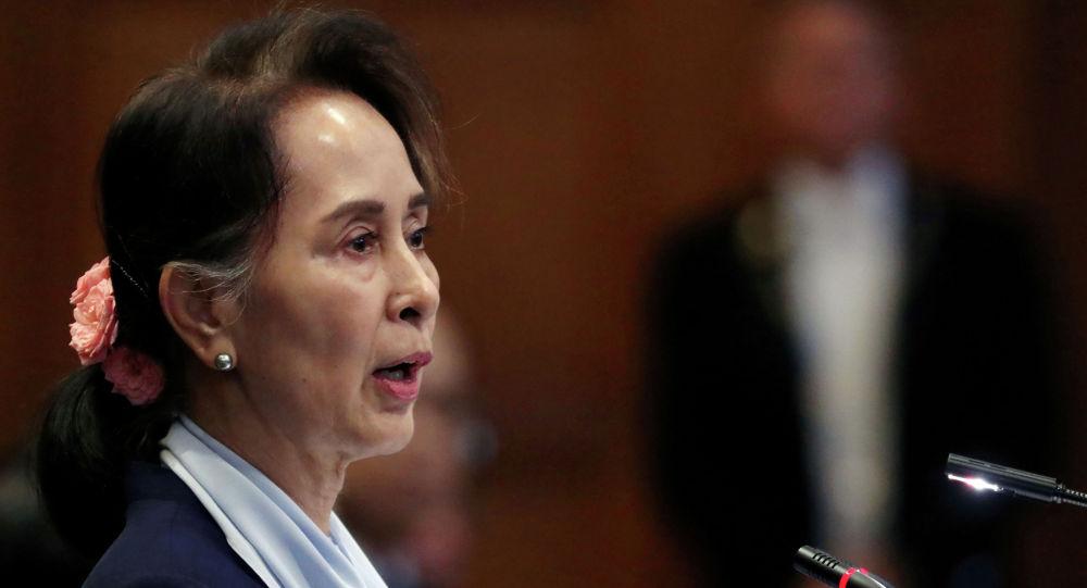 缅军总司令表示,我不是法官,我不能以任何方式影响前国务资政昂山素季的案子,她的命运将由法庭依法决定