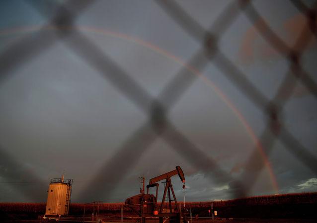 俄副总理提醒有2.6万口废弃油井存在爆炸危险