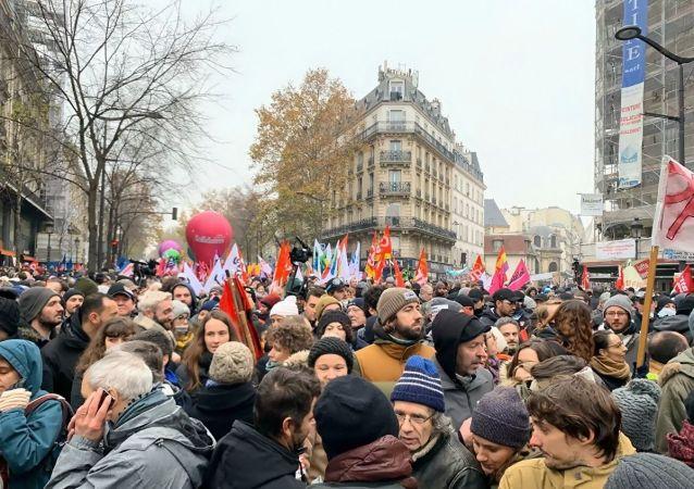 巴黎抗议示威(资料图片)
