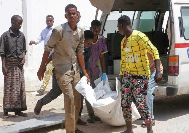 媒体:索马里爆炸案致包括前国防部长在内的9人死亡