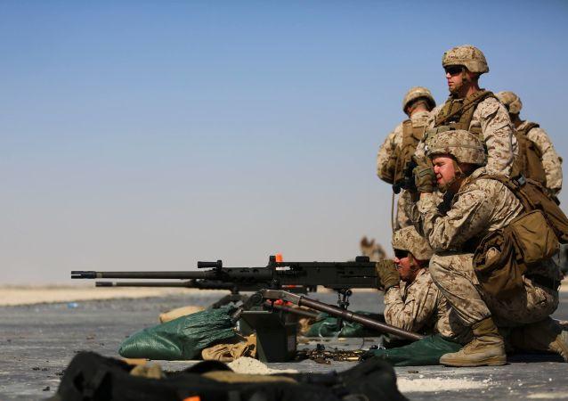 美国机枪兵
