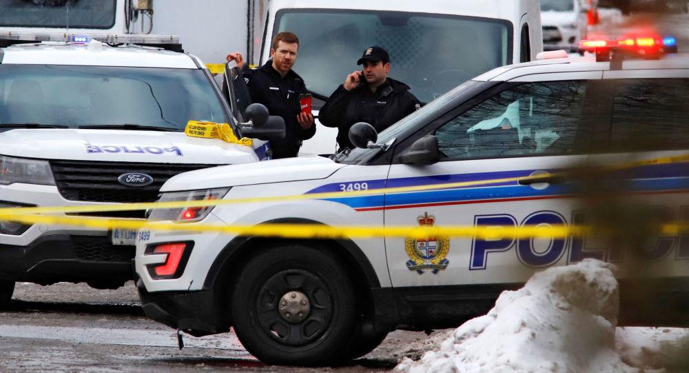 媒体:不明身份者在蒙特利尔持刀伤3人