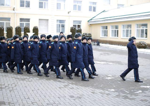 俄总统士官武备学校绝大部分毕业生希望考入军校