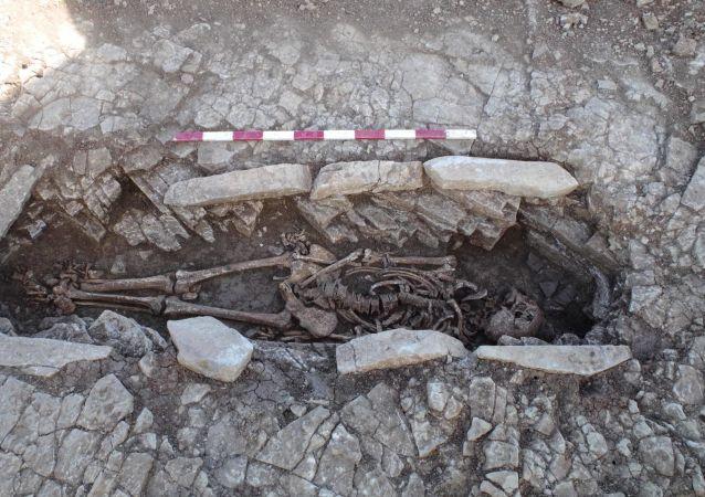 發現非洲最古老的人類墓葬