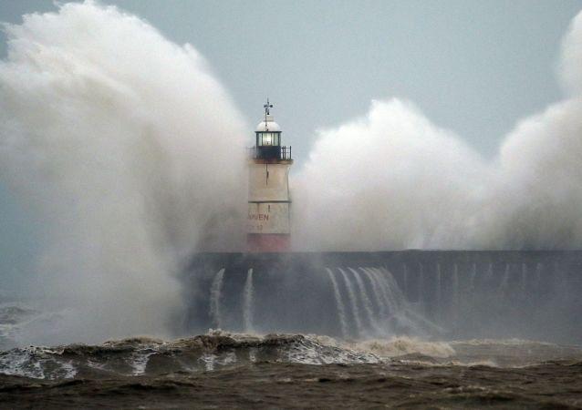 风暴袭击英国