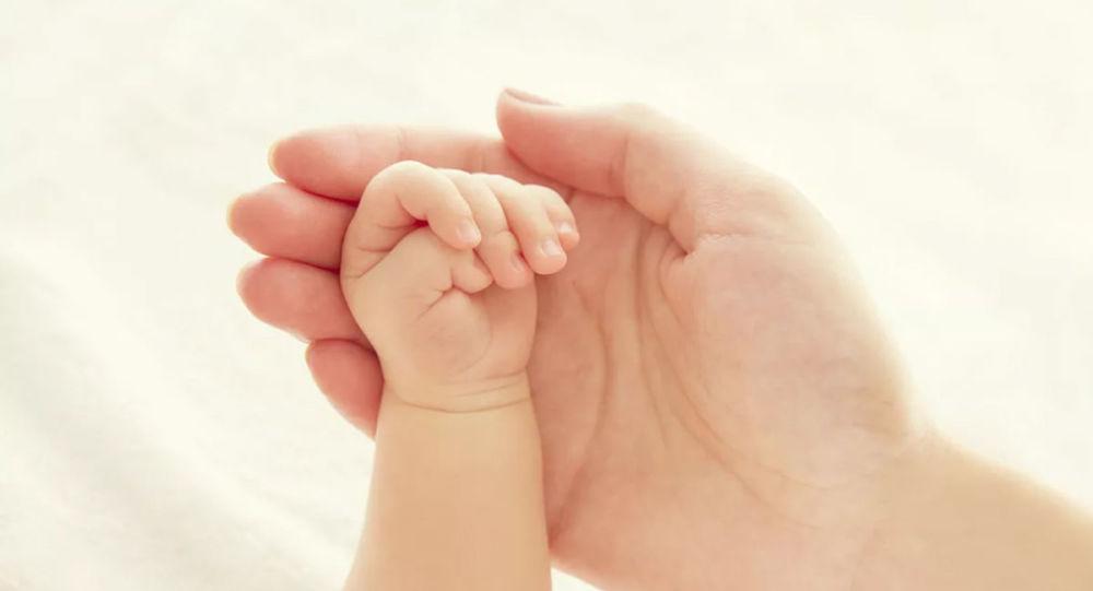 南非女子诞下十胞胎 刷新世界纪录
