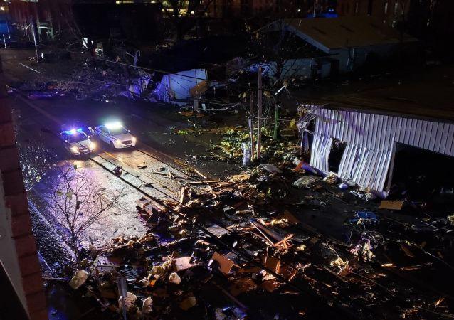美国纳什维尔市遭到龙卷风袭击