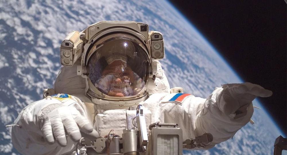 俄航天企業將為女演員、導演和日本遊客縫製宇航服