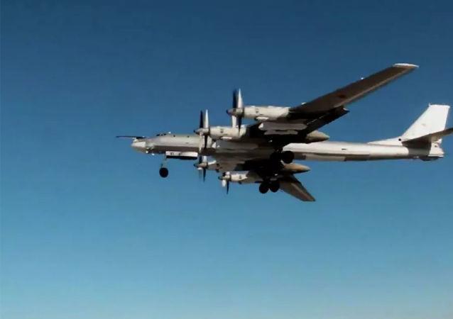 圖-95轟炸機