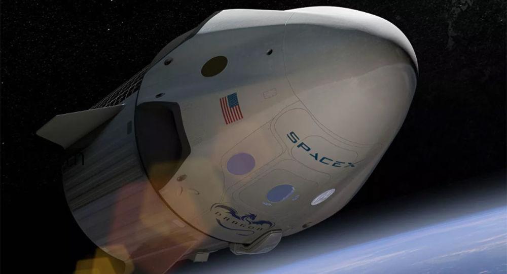 """太空技术公司(SpaceX)的""""龙""""号货运飞船"""