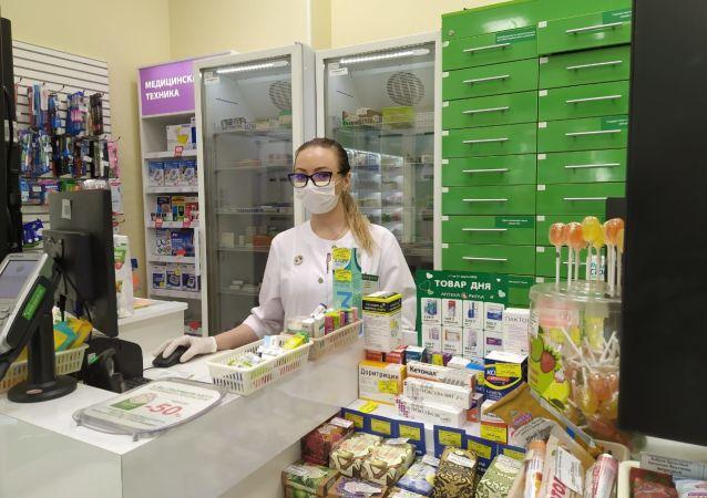藥店裡的口罩和消毒液,是緊俏商品