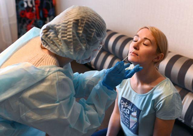 俄學者:二次感染新冠病毒是極其罕見的現象