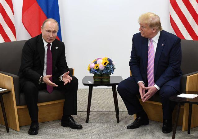 特朗普对他与普京相处和睦的批评感到惊讶