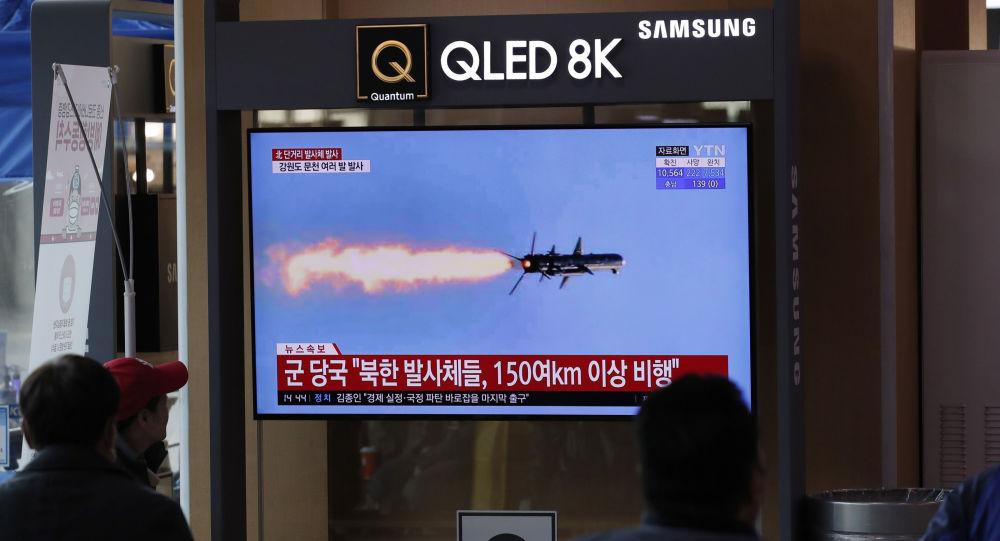 据韩联社报道,朝鲜向东部海域发射2枚弹道导弹