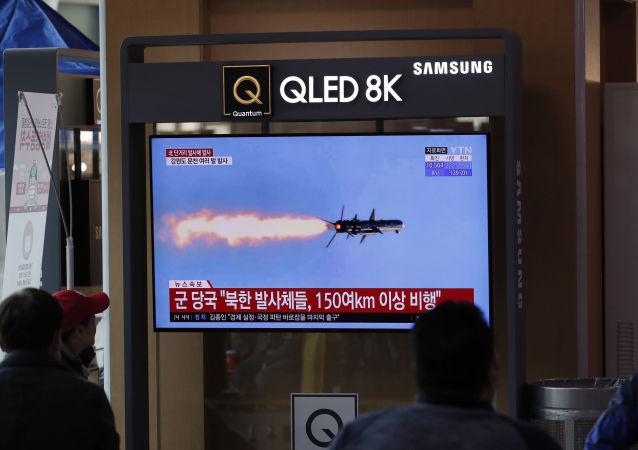 據韓聯社報道,朝鮮向東部海域發射2枚彈道導彈
