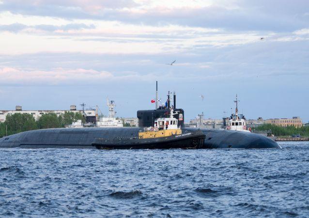 俄「奧列格大公」號核潛艇在國家測試中在白海發射了一枚「布拉瓦」彈道導彈