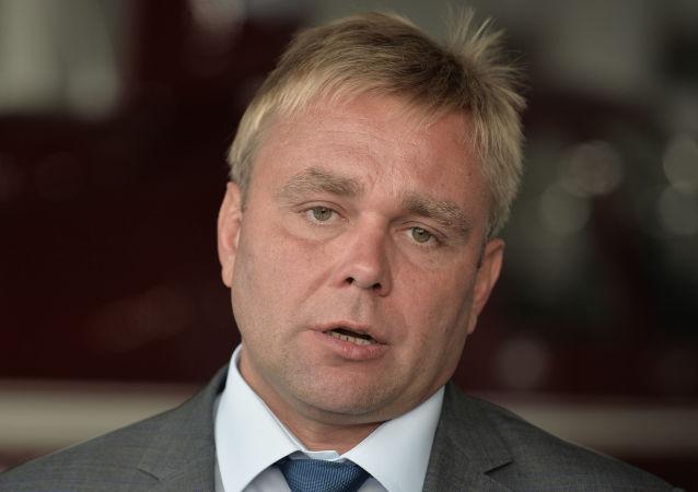 克西姆·蘇拉耶夫