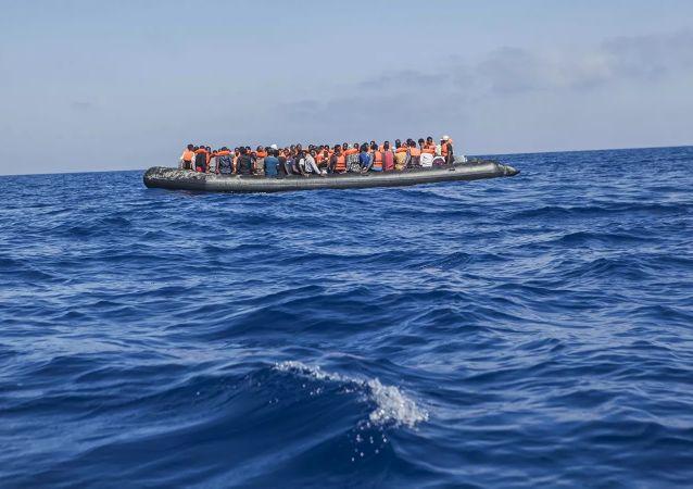 近30人在前往加那利群岛途中遇难
