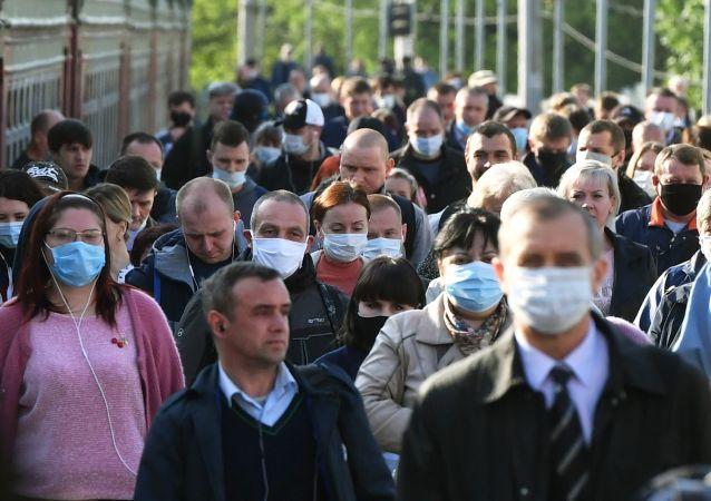 民调:十分之一的俄罗斯人称可因为事业原由说谎