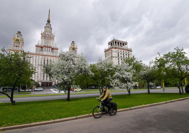 研究:俄羅斯人4月積極購買自行車、滑板車和旱冰鞋