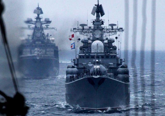 """符拉迪沃斯托克俄中""""海上联合-2015""""演习"""