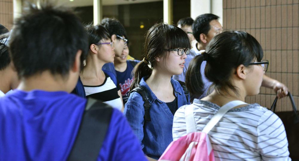 访美中国学生