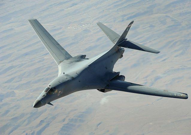 俄专家:美国轰炸机在立陶宛上空演练对俄罗斯进行核打击